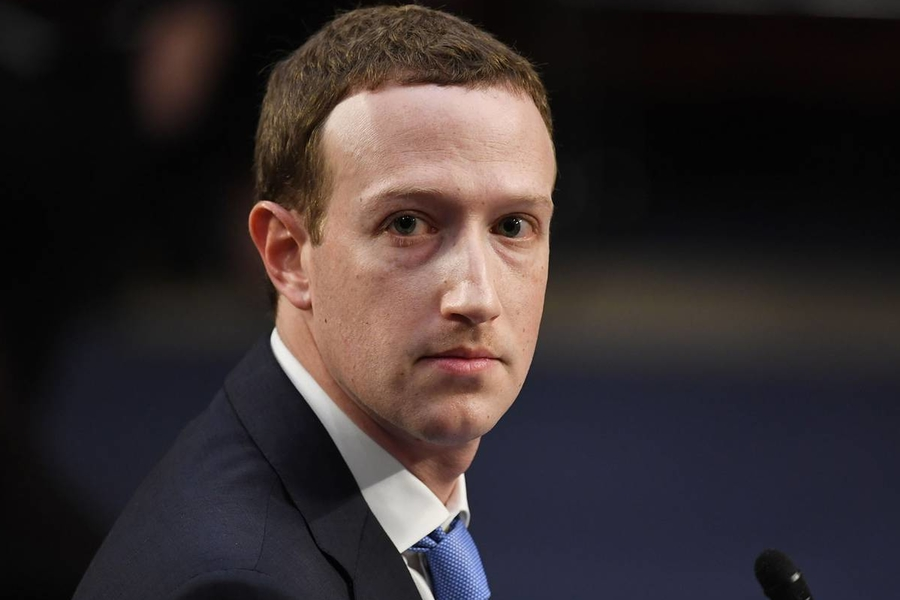 Zuckerberg Holds Grudge Against Apple CEO Tim Cook, Orders Staff To Only Use Android Phones