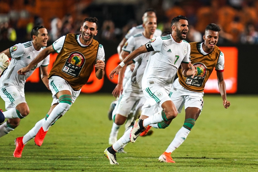 Algerian Twitter Rejoices Over Riyad Mahrez's Last Minute Winner