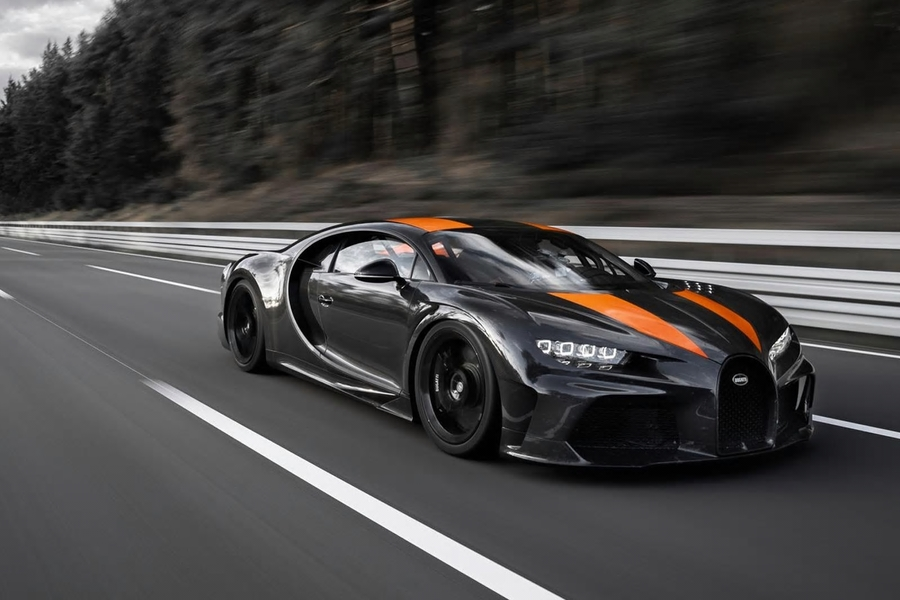 Watch Bugatti Become The First Car Maker To Break The 480 kph Mark