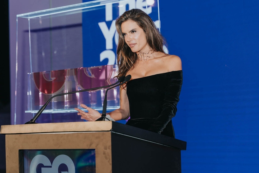 Alessandra Ambrosio Wins GQ's Fashion Icon Award