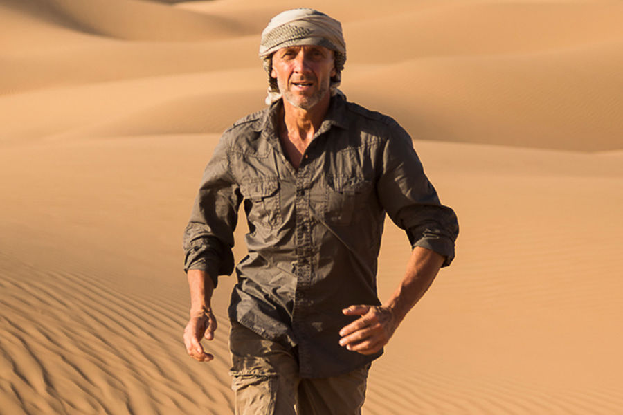 This Italian Explorer Is Attempting To Walk 1200km Across The Arab Desert