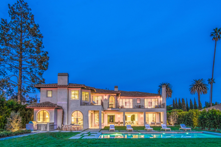 Take A Look Inside This Billionaire's $21m Home