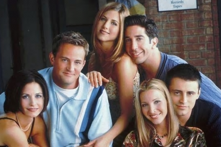The Cast Of Friends Are Bagging $2.5m Per Episode - Here's How That Measures Up To Other Stars