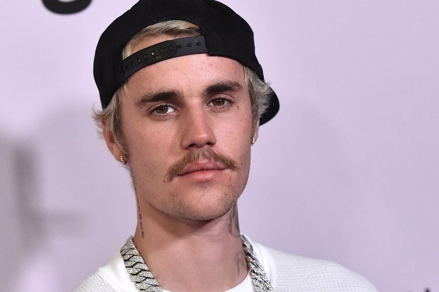 "Justin Bieber's ""Ugly Mansion"" Is Getting Roasted On Twitter"