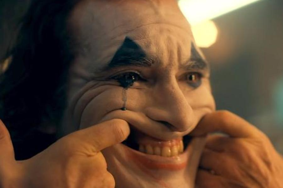 Warner Bros. Reportedly Offered Joaquin Phoenix $50M To Turn Joker Into A Trilogy
