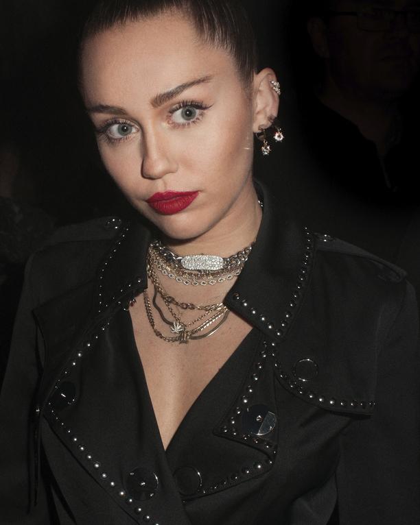 Miley Burberry
