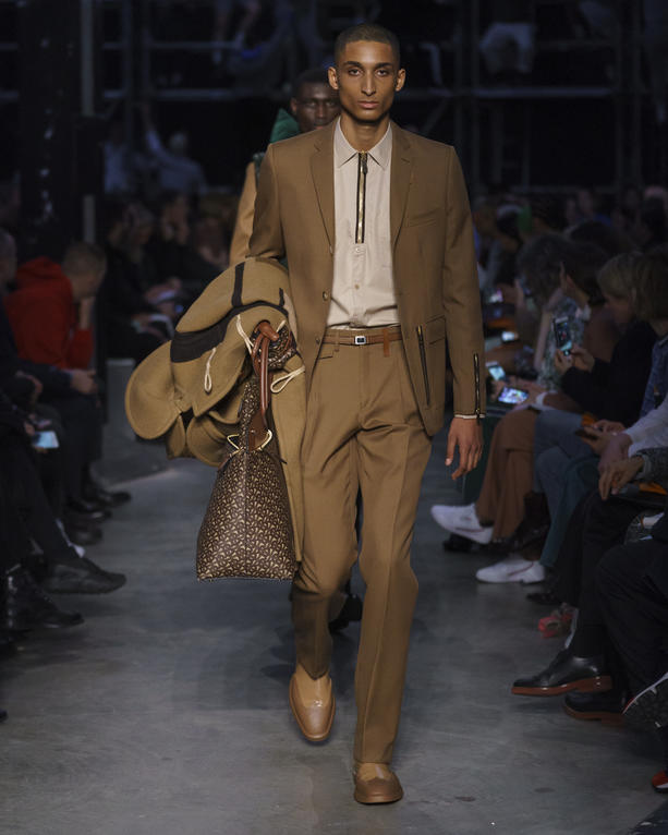 British Contrasts Collide At Burberry S Fall Winter 2019 Show