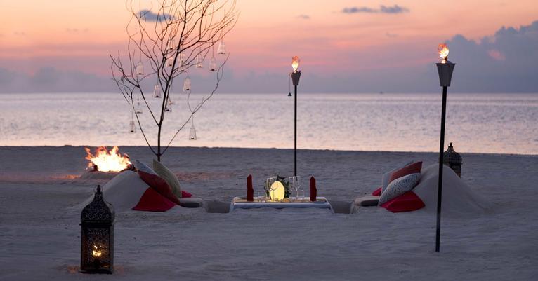 Maldives private dining