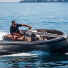 The Vanqraft VQ16 Is The Jet-Ski/Yacht Hybrid You Never Knew You Wanted