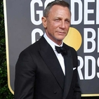 All The Details On Daniel Craig's Golden Globes Outfit