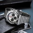 Breitling's New Chronomat Is A Tribute To The Watch That Saved The Company